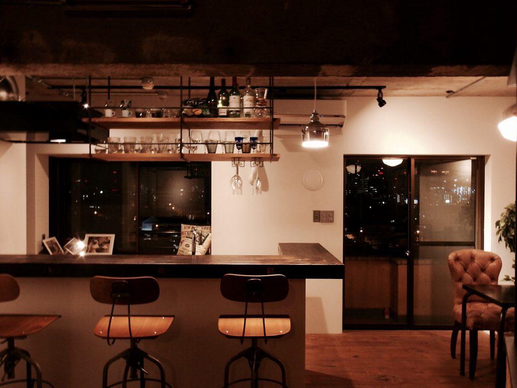 夜景を眺めることのできるダイニングキッチン